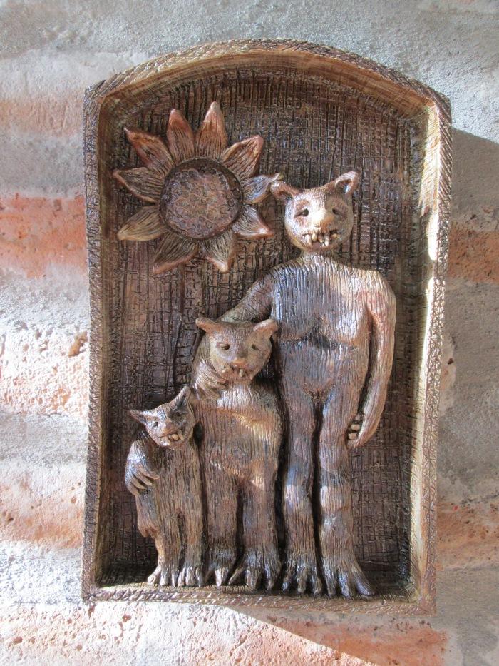 : Las tres edades, Modelado en Cerámica, Gres y patina de hierro, 35 x 15 cm, 2014