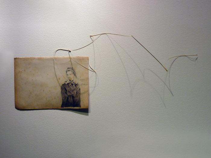 """""""Sin título"""" Lápiz sobre papel. 45 x 23 cm. 2011"""