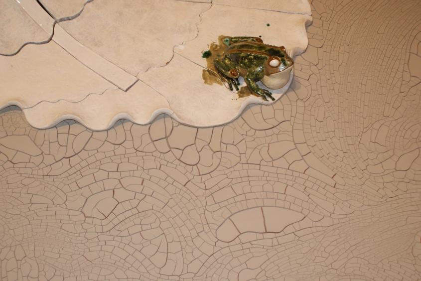 La eclosión o la novia Serie: fábulas de la vida ordinaria Terracota esmaltada y arcilla líquida 132 x 147 x 104 cm. 2008