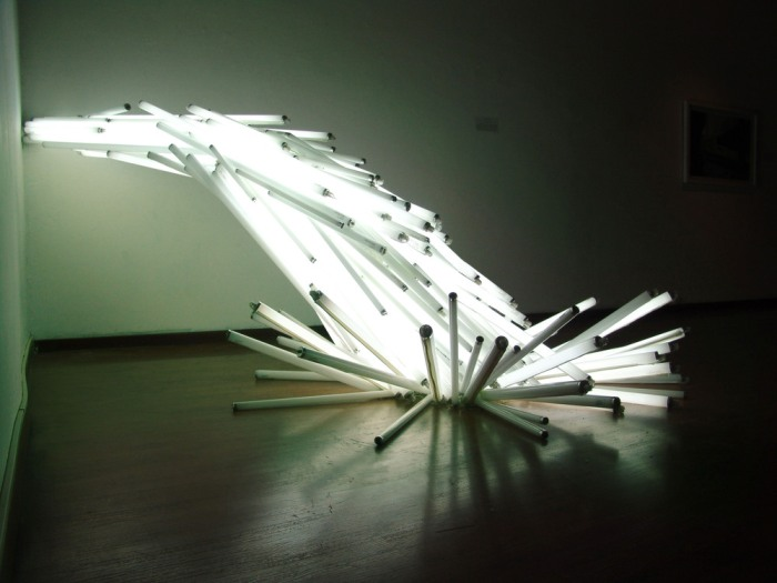 Failed Dawn Sculpture  /  110 fluorescent lights  /  280x270x165 cm  /  2008